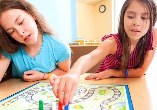 5 jeux de société à faire avec les enfants quand il pleut