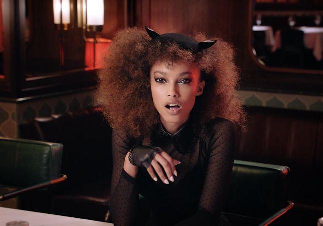 #Prêtàliker : la vidéo pétillante de Furla pour sa Holiday Collection