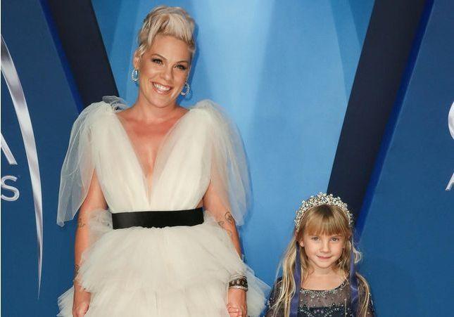 Pink se confie sur sa fille de 6 ans : « Elle m'a dit qu'elle allait épouser une femme africaine »