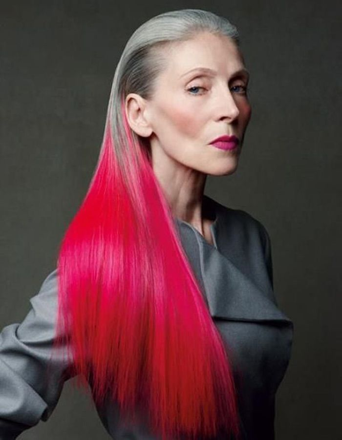 cheveux longs couleur rouge coiffure cheveux longs des coupes de cheveux longs pour un look. Black Bedroom Furniture Sets. Home Design Ideas