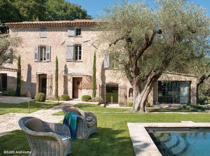 Relativ Cannes : une maison de vacances pas du tout bling bling ! - Elle  IC51