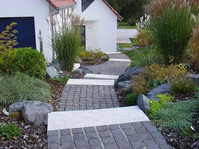 Exceptionnel Une allée de jardin en pierres - Elle Décoration UZ07