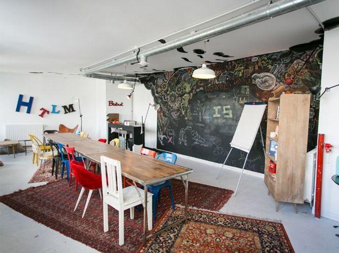 Les bureaux les plus cools de france elle d coration for Les plus beaux bureaux design
