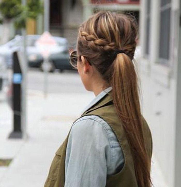 La queue de cheval tress e 10 coiffures rapides et pratiques pour les vacances elle - Tresse queue de cheval ...