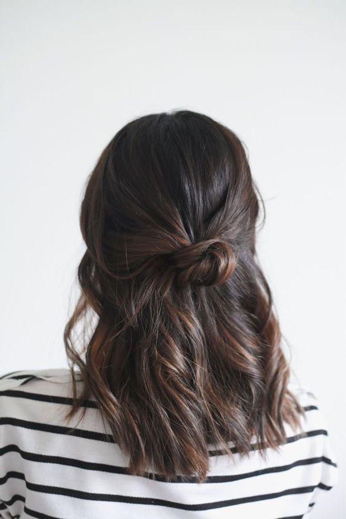 cheveux attach s en tresse cheveux attach s 50 id es. Black Bedroom Furniture Sets. Home Design Ideas