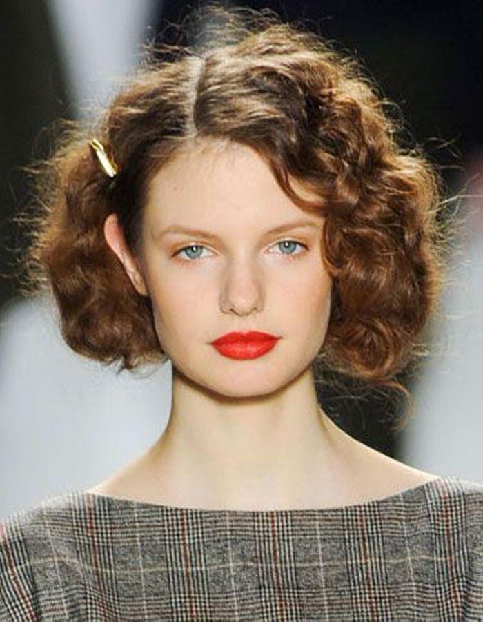 Cheveux frisés : nos plus jolies idées pour les coiffer
