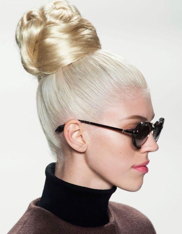 coiffure soir e avec postiche 40 coiffures de soir e cool ou sophistiqu es elle. Black Bedroom Furniture Sets. Home Design Ideas