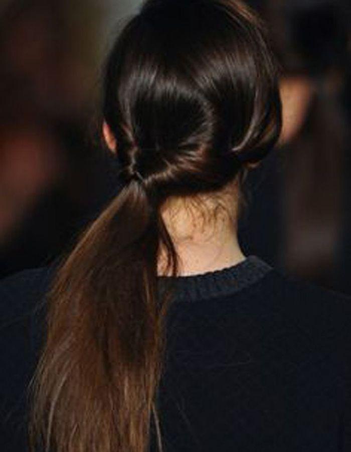 coiffure naturelle cheveux bruns 25 id es de coiffures naturelles pour se sentir belle elle. Black Bedroom Furniture Sets. Home Design Ideas