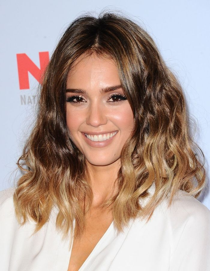 jessica alba et son tie dye ic nes cheveux les 20. Black Bedroom Furniture Sets. Home Design Ideas