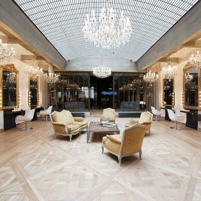 coiffirst les 16 meilleurs salons de coiffure parisiens elle. Black Bedroom Furniture Sets. Home Design Ideas