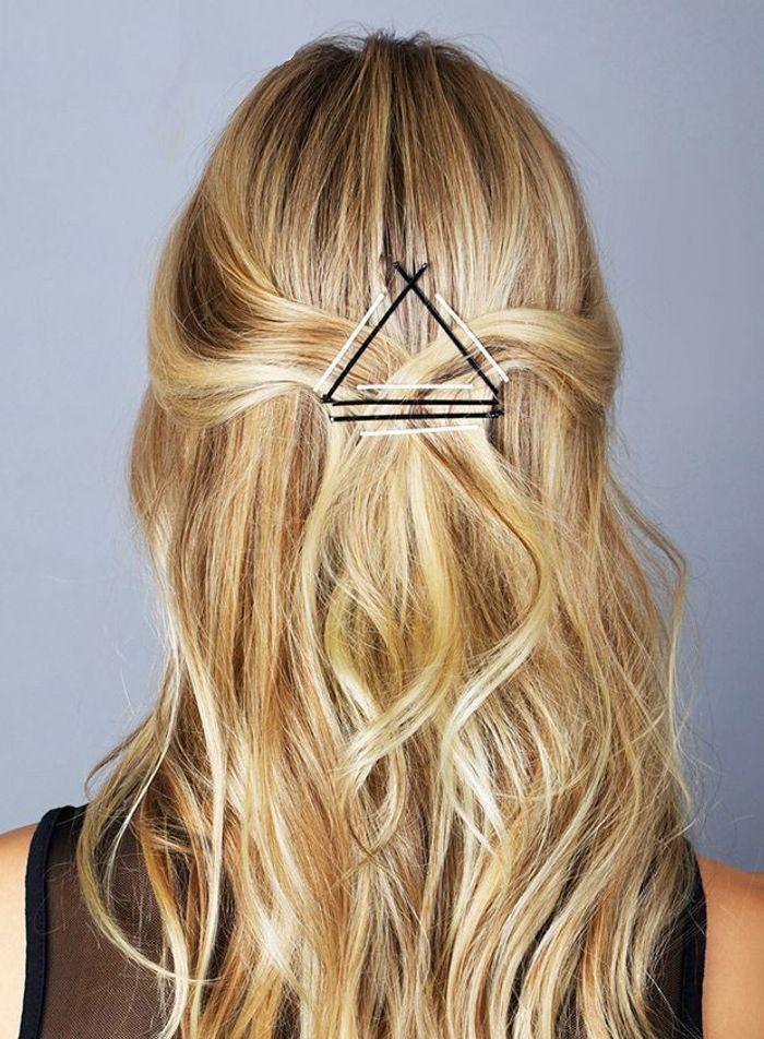 Pinces plates sur demi queue bobby pins 15 nouvelles fa ons de se coiffer avec des pinces - Demi queue chignon ...