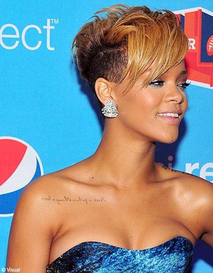 Rihanna tendance bicolore chez les people elle for Coupe de cheveux de rihanna court