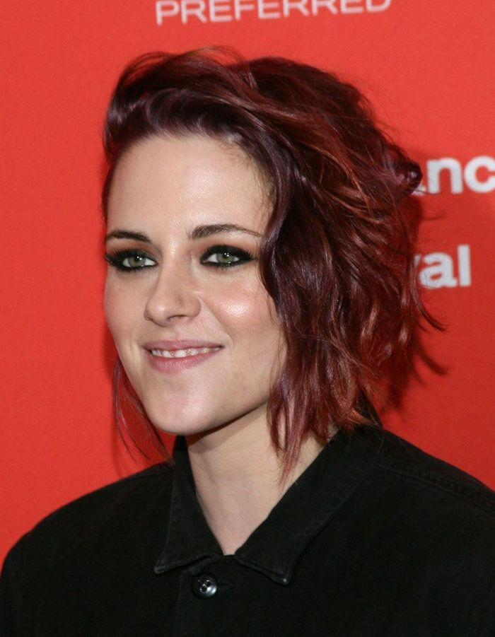 cheveux auburn kristen stewart cheveux auburn la couleur automnale qui s duit les stars elle. Black Bedroom Furniture Sets. Home Design Ideas