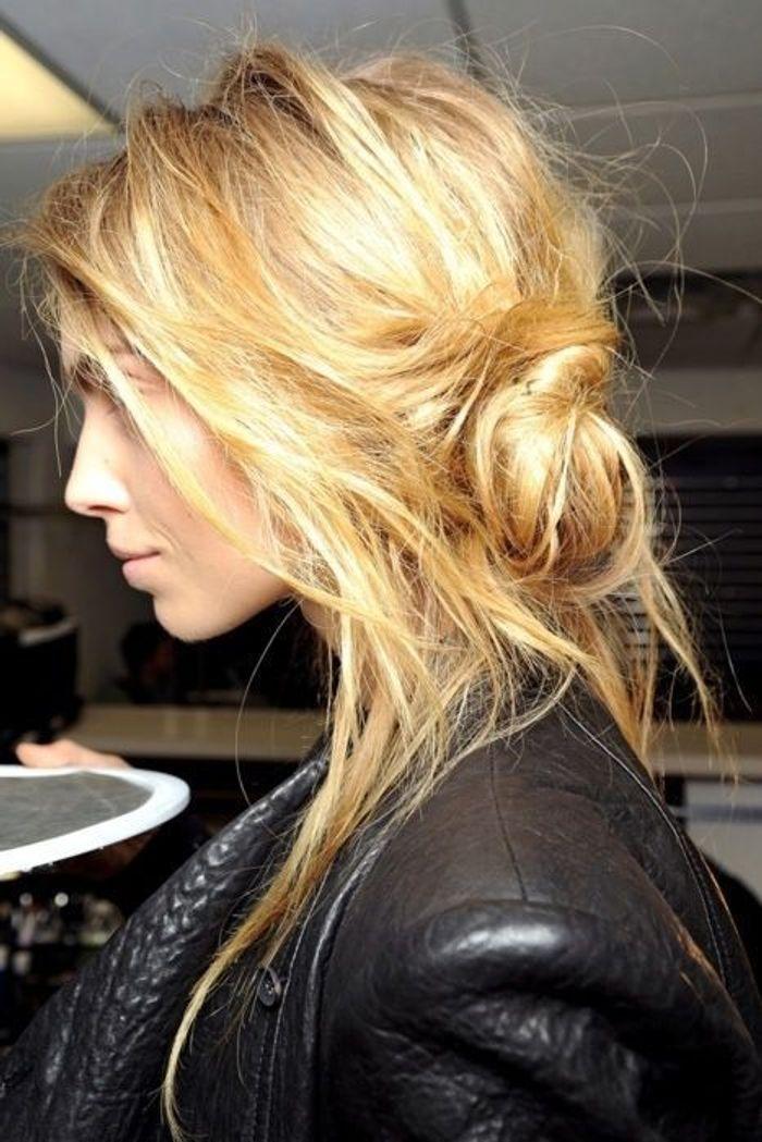 chignon coiff d coiff cheveux longs 15 jolis chignons coiff s d coiff s rep r s sur. Black Bedroom Furniture Sets. Home Design Ideas