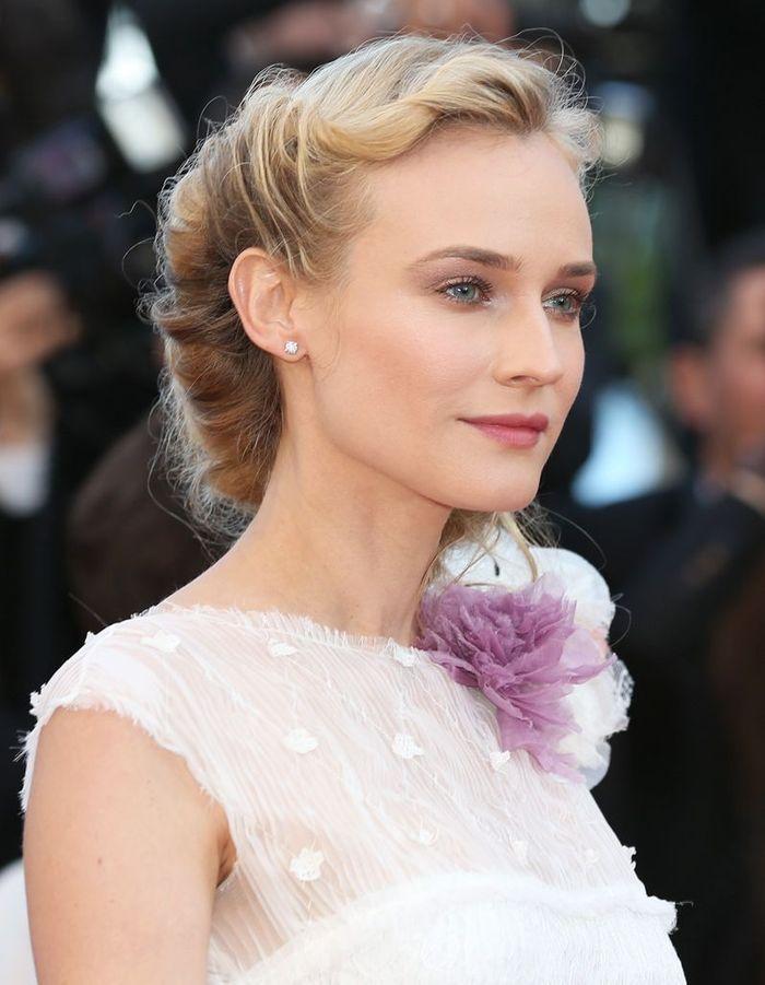 Le chignon torsadé - Diane Kruger : ses 35 coiffures qui nous inspirent - Elle