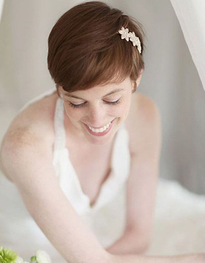 Coiffure de mariée Coupe courte et headband discret