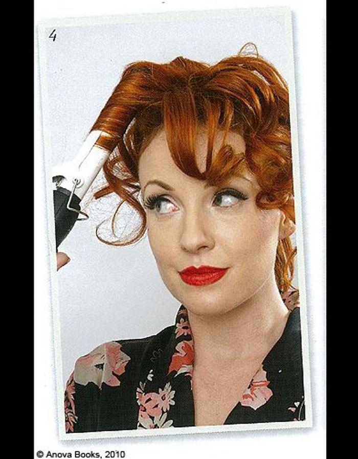 beaute cheveux coiffure vintage retro etape 4 mon chignon r tro en un tournemain elle. Black Bedroom Furniture Sets. Home Design Ideas