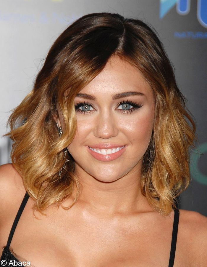 ombr hair miley cyrus people elles osent l 39 ombr hair elle. Black Bedroom Furniture Sets. Home Design Ideas