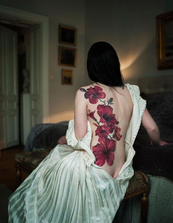 id e tatouage des hibiscus g ant les 40 plus beaux. Black Bedroom Furniture Sets. Home Design Ideas