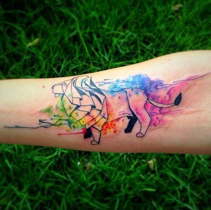 tatouage aquarelle lion les plus jolis tatouages aquarelle pour voir la vie en technicolor elle. Black Bedroom Furniture Sets. Home Design Ideas