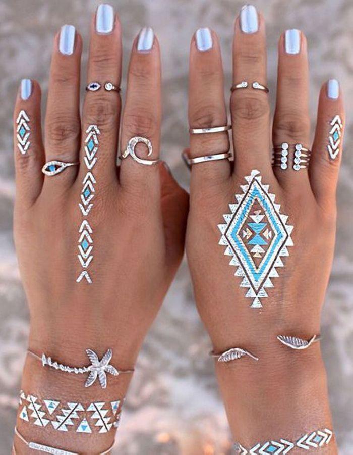 tatouages mains ph m res un tatouage sur la main c derez vous la tendance elle. Black Bedroom Furniture Sets. Home Design Ideas