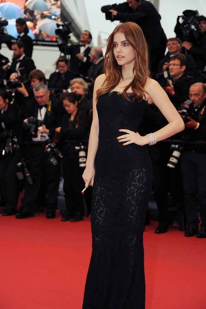 Le long wavy de barbara palvin red carpet 12 coiffures de stars copier elle - Barbara palvin red carpet ...