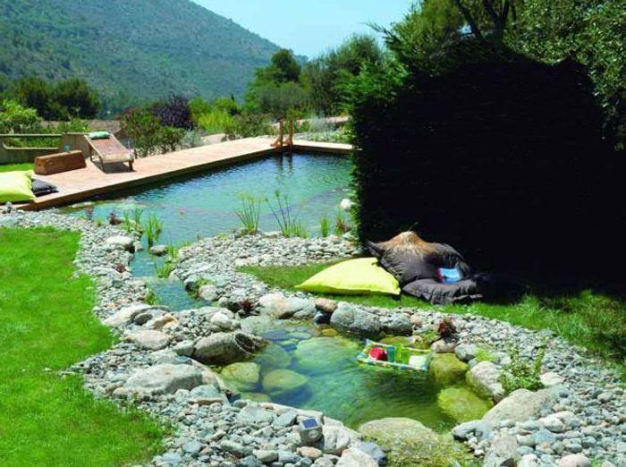Les piscines naturelles retour aux sources elle d coration for Piscine naturelle cascade