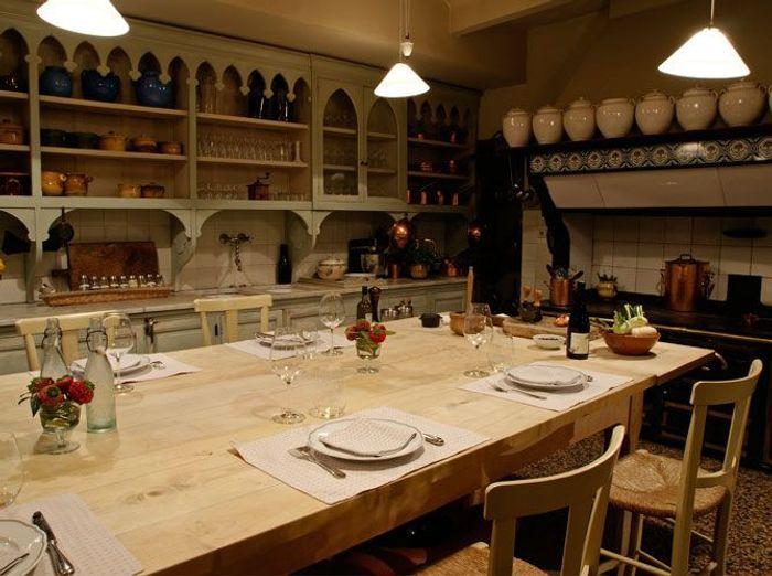 Une belle et grande cuisine pour recevoir elle d coration for Grande table de cuisine