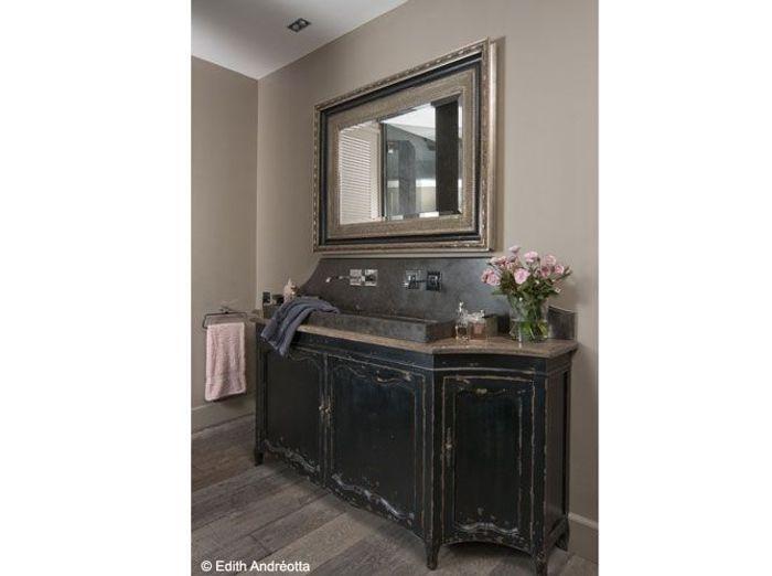 Une salle de bains en pierre so chic elle d coration - Salle de bain flamant ...
