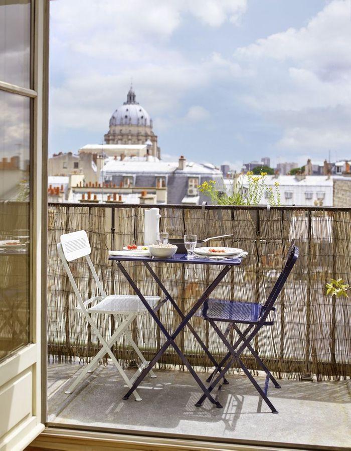 20 id es pour amenager un petit balcon elle d coration - Mobilier pour petit balcon ...