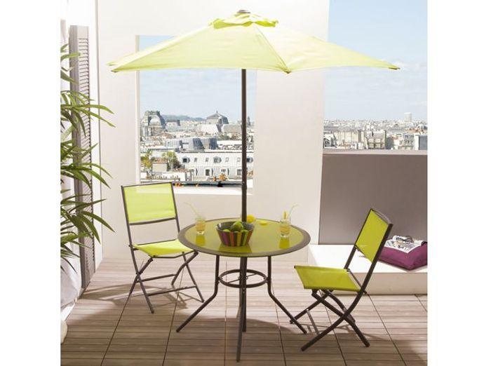 Table chaises parasol vert delamaison