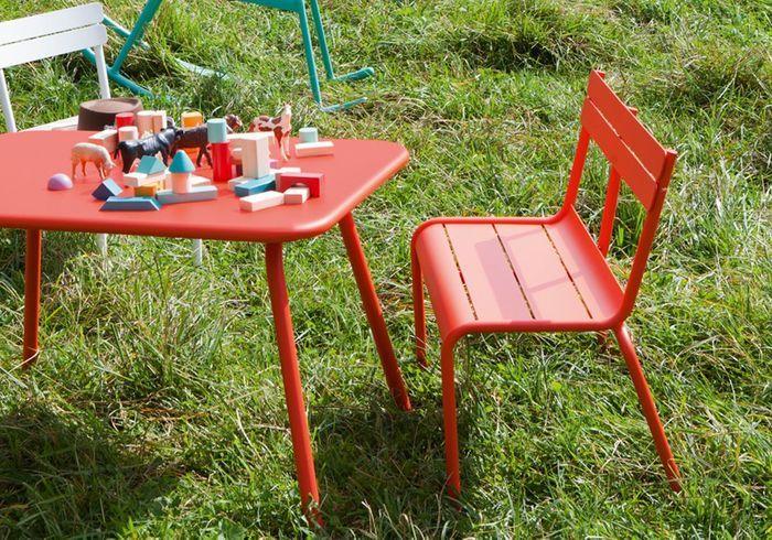 pour quel salon de jardin pour enfant craquerez vous elle d coration. Black Bedroom Furniture Sets. Home Design Ideas
