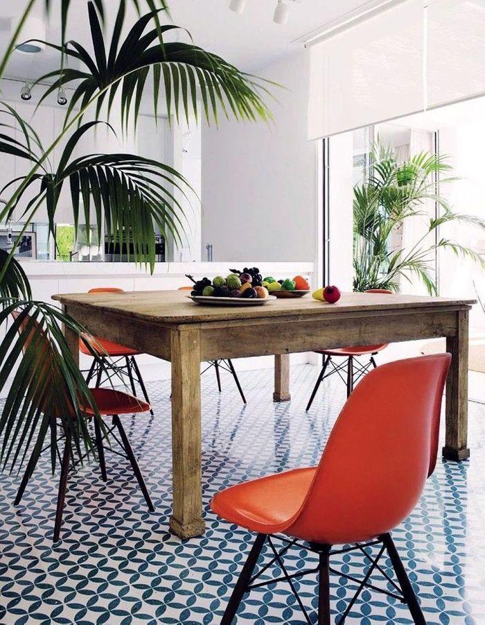 La chaise DSW marié à un style exotico vintage