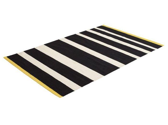 chic et graphique osez la d co en noir et blanc elle. Black Bedroom Furniture Sets. Home Design Ideas