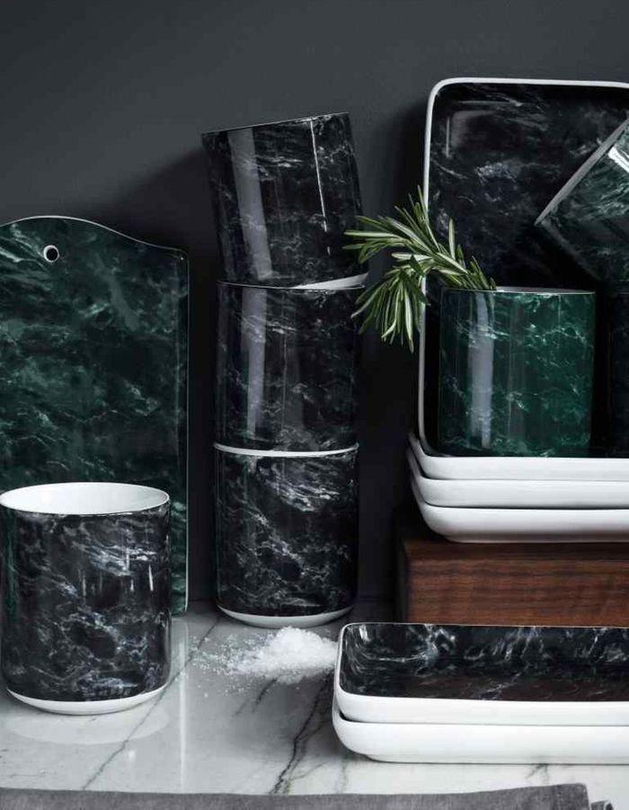 Harmonisez le marbre vert grâce au marbre noir