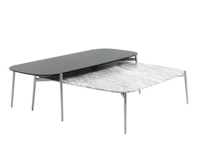 Un duo de tables basses en marbre