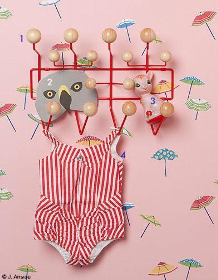 Pour une petite fille : une chambre de poupées vintage