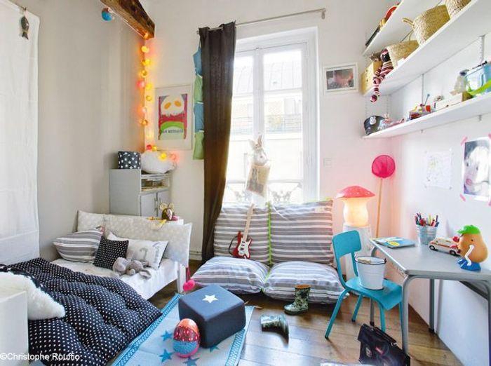 Chambre de petite fille joyeuse