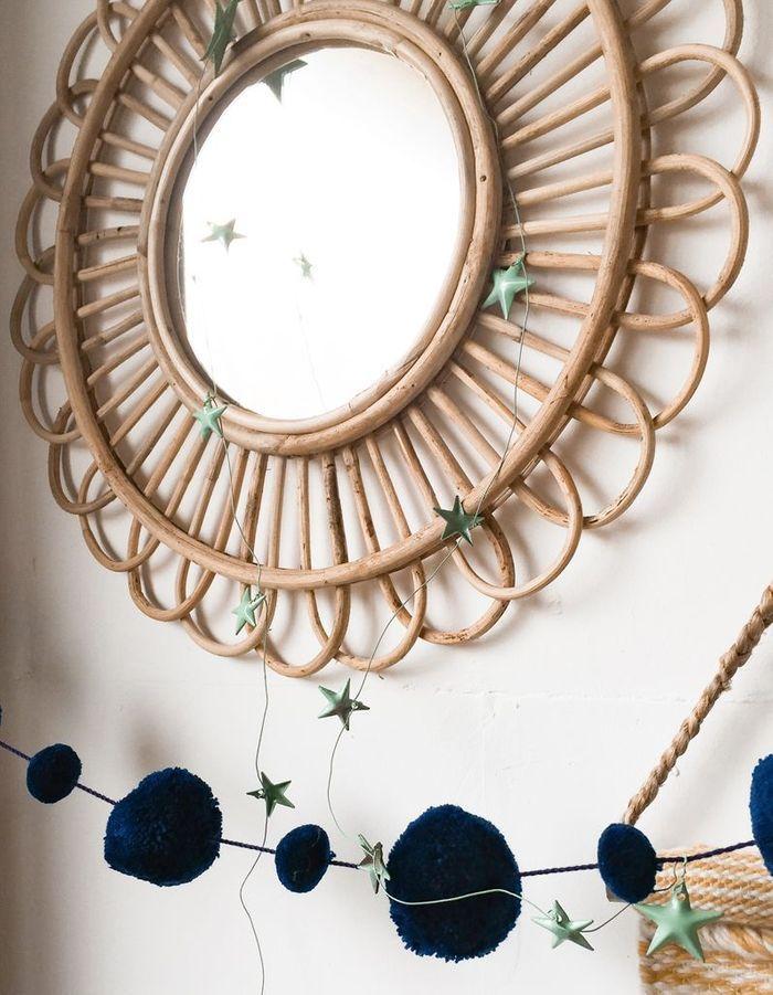 Un miroir en bambou
