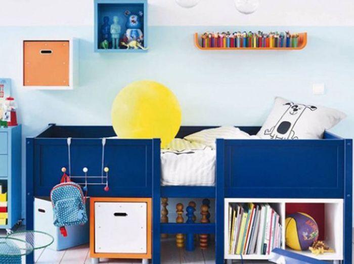 6. On expose les collections de jouets des bambins