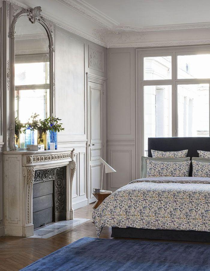 Une chambre bleue très chic