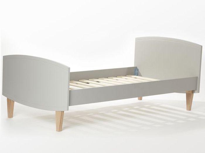 mobilier enfants cyrillus lance sa premi re collection de meubles elle d coration. Black Bedroom Furniture Sets. Home Design Ideas