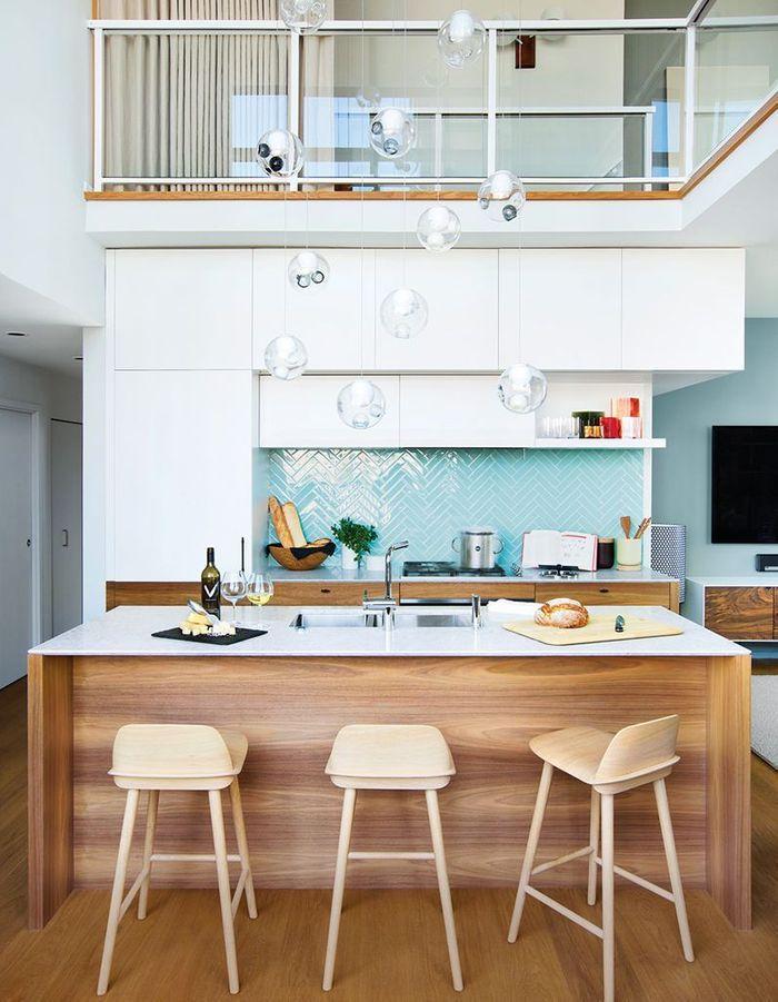 Une belle cuisine baignée de lumière