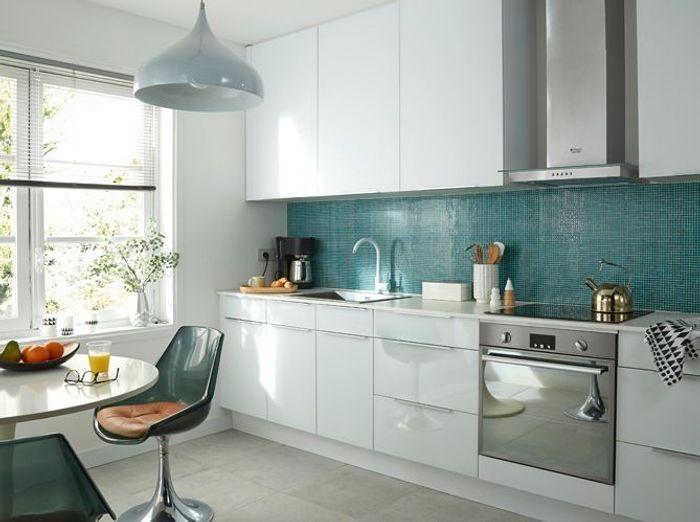 Cuisine bleue je fonds pour une cuisine bleue elle - Credence moderne pour cuisine ...