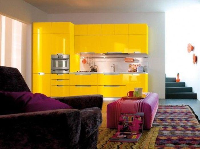 Des petites cuisines astucieuses et l gantes elle for Cuisine jaune pale
