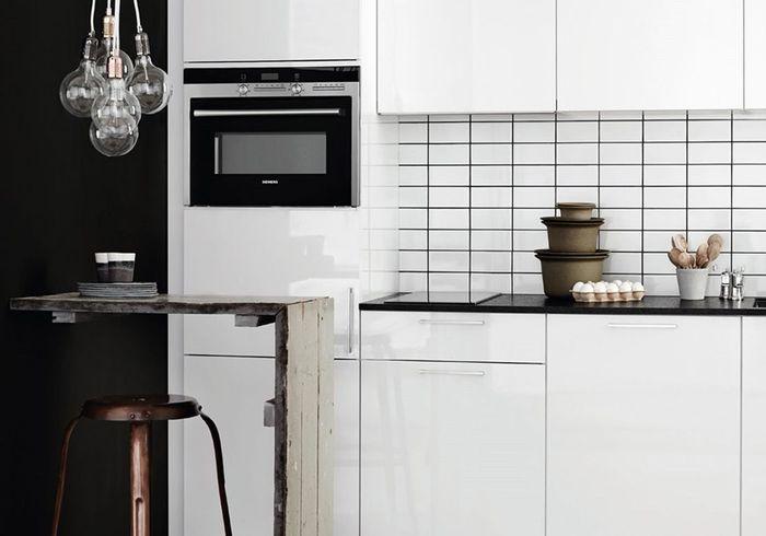 Idee de cuisine les niches ouvertes donnent du relief la for Planche bar pour cuisine americaine