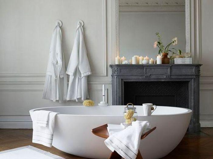 50 salles de bains romantiques elle d coration for Elle deco salle de bain