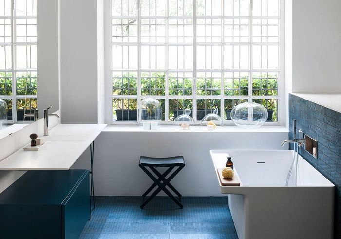 D couvrez les plus belles salles de bains bleues elle - Elle deco salle de bain ...