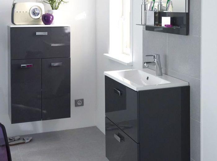 40 meubles pour une petite salle de bains elle d coration for Porte de meuble de salle de bain brico depot