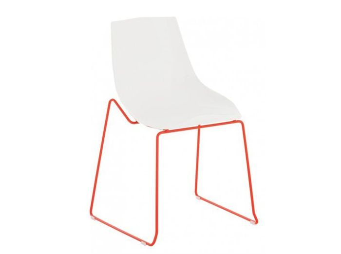 50 chaises design pour un int rieur contemporain elle for Chaise salon contemporaine